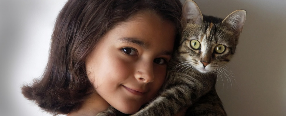 Girl_and_cat2